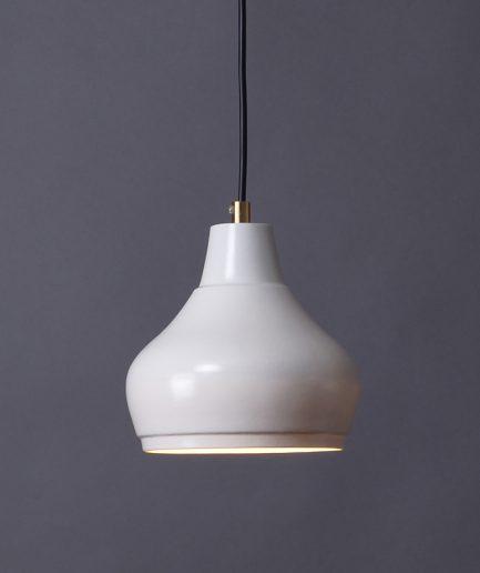 Hanglamp Aeolus Small gemaakt van porselein, ontwerp Fenna Oosterhoff