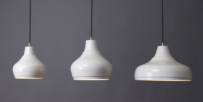 Porcelain pendant lights Aeolus Collection by Fenna Oosterhoff