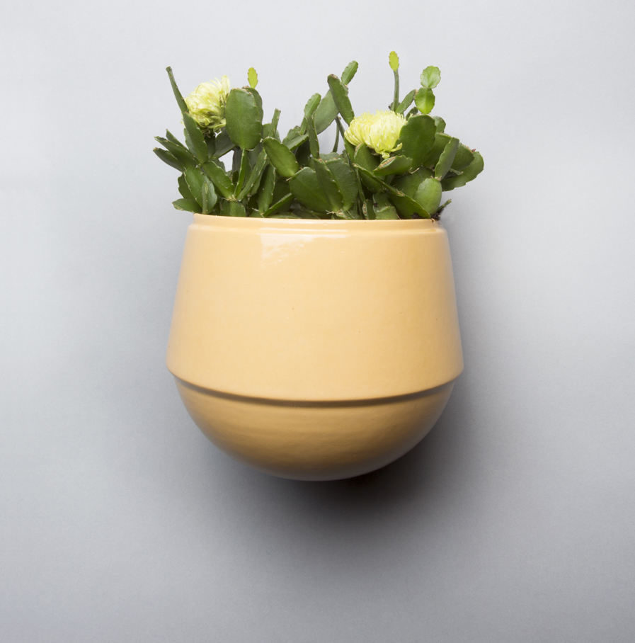 Wall pot Babylon ochre, Suspense Wall Collection