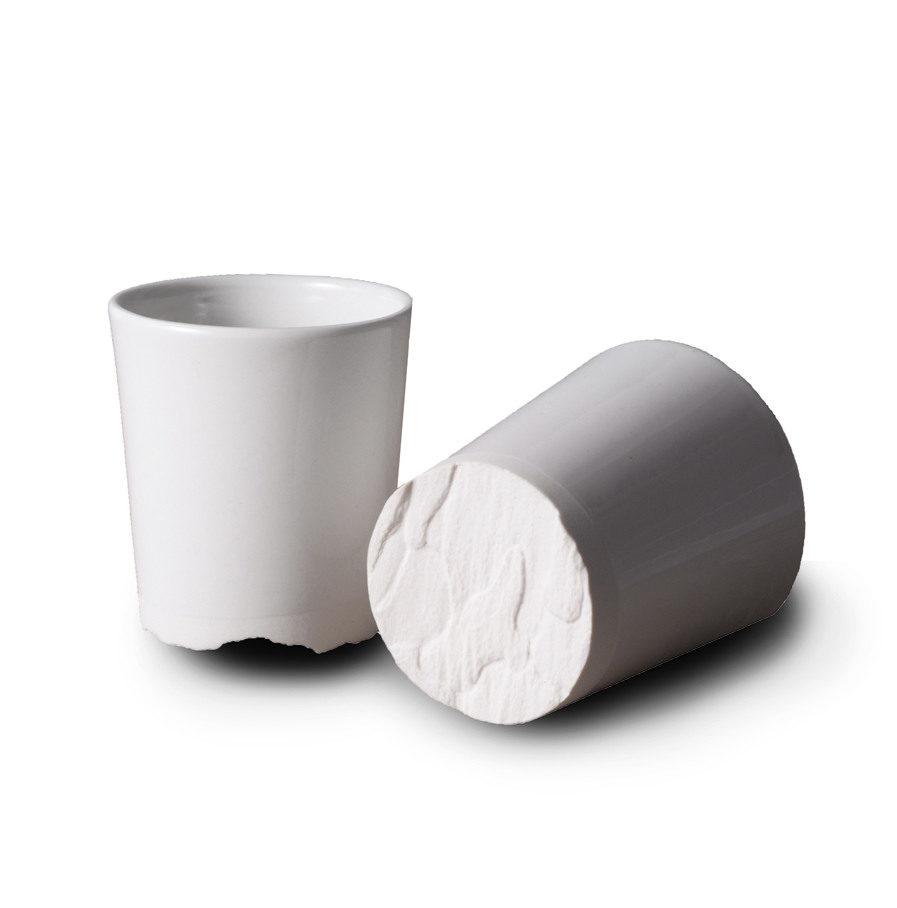 Treebark cup van porselein, Grove Den