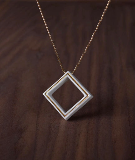 Geometrics ketting square wit