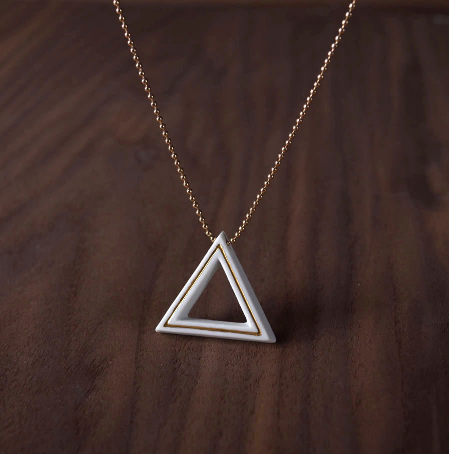 Geometrics ketting Triangle wit