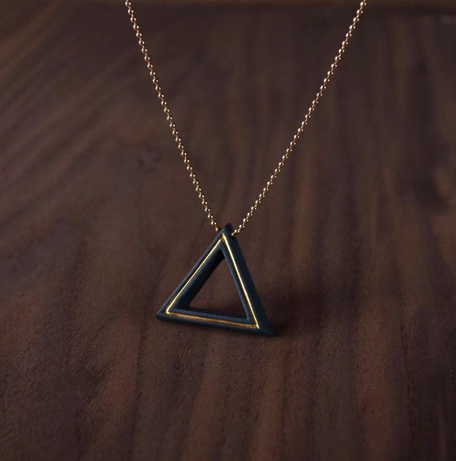 Geometrics ketting Triangle zwart