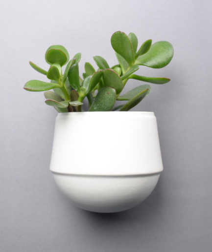 Wall flowerpot Little Babylon white